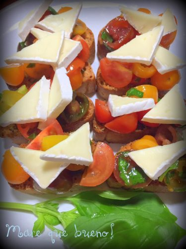 Tomatoe-and-basil-bruschetta-3