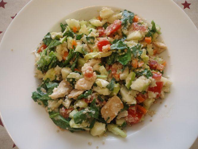 ensalada-de-pollo-quinoa-y-muchas-verduras-3