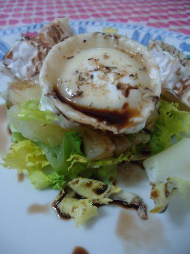 ensalada-de-escarola-pina-y-queso-de-cabra-1
