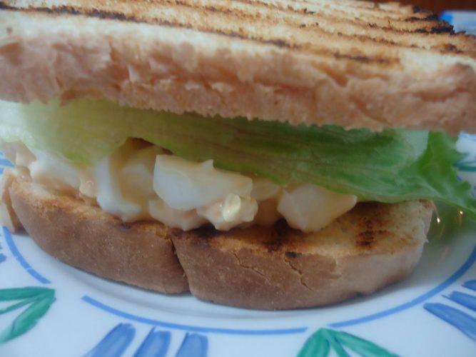 sandwich ensalada de huevo (2)