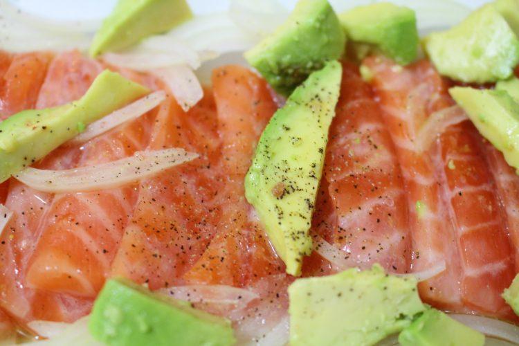 ceviche de salmón con chips (2)