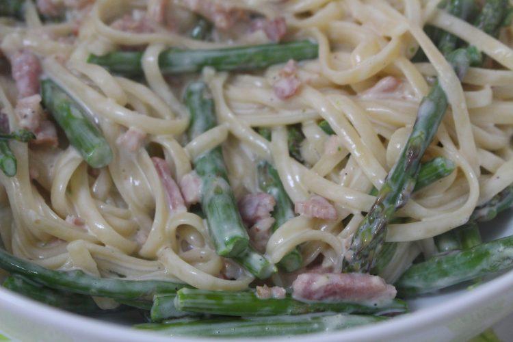 pasta con espárragos trigueros y bacon (2)